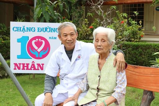 Top 6 dịch vụ chăm sóc người già chuyên nghiệp tại nhà