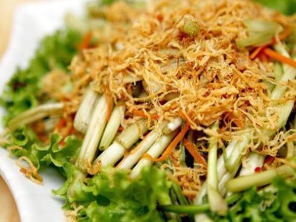 Thanh đạm bữa ăn với món nộm rau cần chà bông