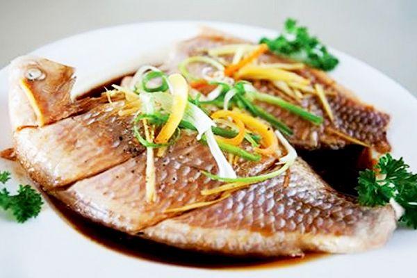 Hương vị khó quên với món cá diêu hồng hấp hành