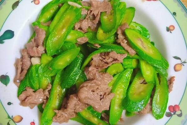 Cách nấu mướp xào thịt bò thơm ngon lạ miệng