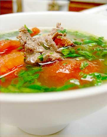 Cách nấu canh cà chua thịt bò bổ dưỡng cho cả nhà