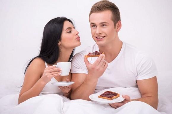 Bác sĩ cảnh báo: Khi nam nữ 'thân mật', ở 'phần' này nhất định không được hôn, dù muốn thế nào cũng phải chịu