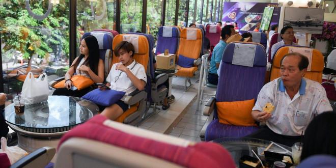 Bên trong nhà hàng phục vụ suất ăn máy bay độc đáo của Thai Airways trong mùa dịch COVID-19 - 1