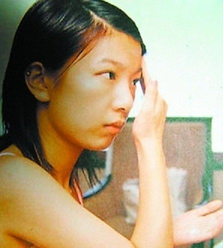 """""""Lột trần"""" khuôn mặt """"thiếu mỹ phẩm"""" của mỹ nhân Hoa ngữ (P1)"""