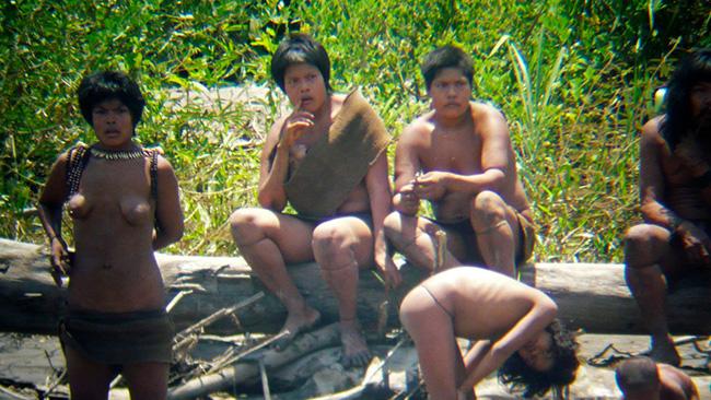 Bí ẩn về những bộ lạc khó tiếp cận nhất trên thế giới - 1