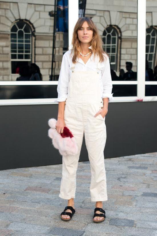 Giày bố đã hoàn toàn không còn được ưa chuộng, 'Birkenstock' là kiểu giày linh hoạt nhất vào năm 2020, người biết về thời trang không thể bỏ qua