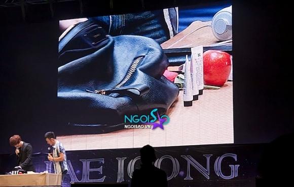 Fan Meeting: Lục túi cá nhân của Kim Jae Joong và khám phá loạt đồ mỹ phẩm