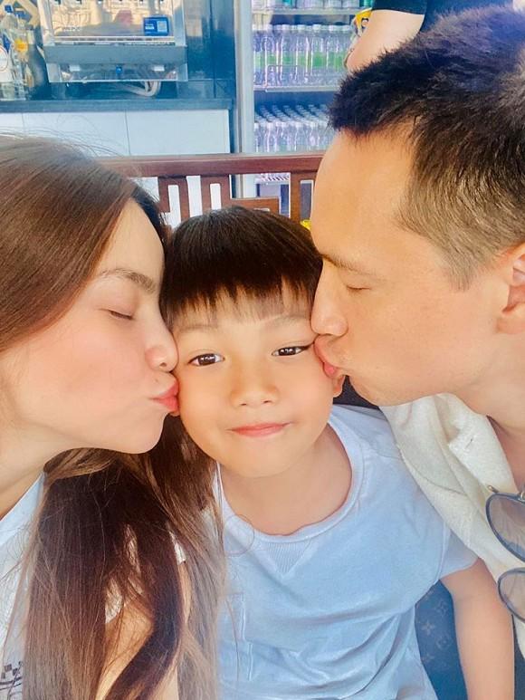 May mắn đầu năm gọi tên cặp Hồ Ngọc Hà - Kim Lý: Đưa Subeo đi du lịch gặp ngay HLV Park Hang Seo
