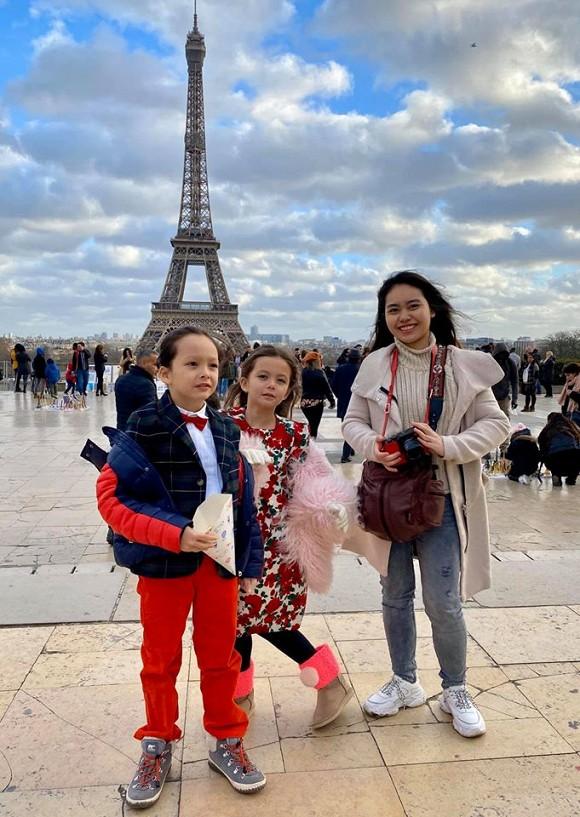 Diva Hồng Nhung khoe ảnh đi du lịch Pháp, nhưng con gái lại chiếm spotlight bởi gu thời trang và thần thái