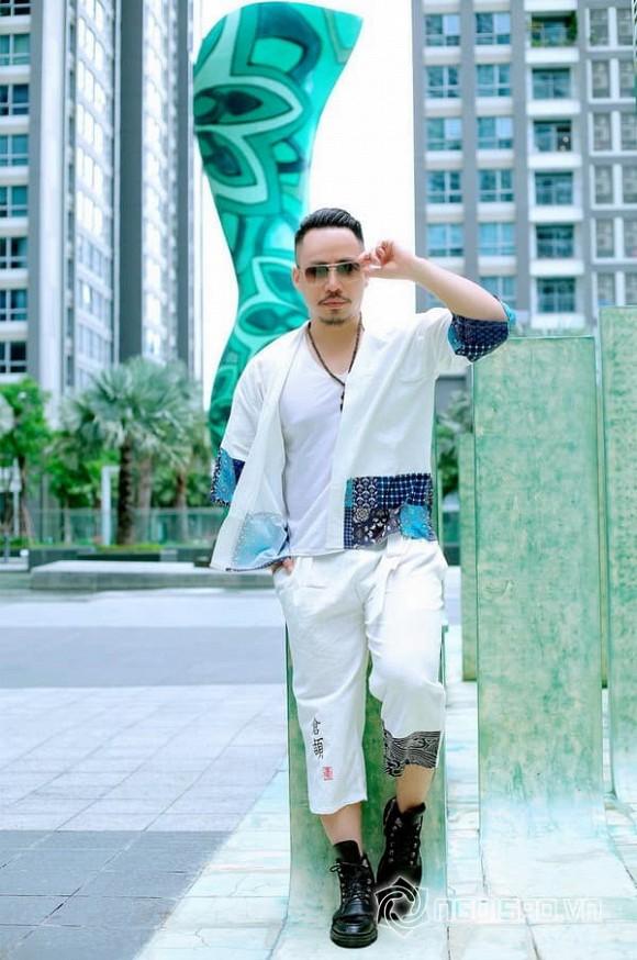 Ca - nhạc sĩ Huỳnh Nhật Đông khoe chất lãng tử trong trang phục trẻ trung