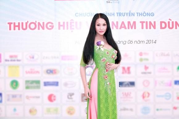 """Công ty Mỹ phẩm Phi Thanh Vân đạt danh hiệu """"Thương hiệu Việt Nam tin dùng 2014"""""""
