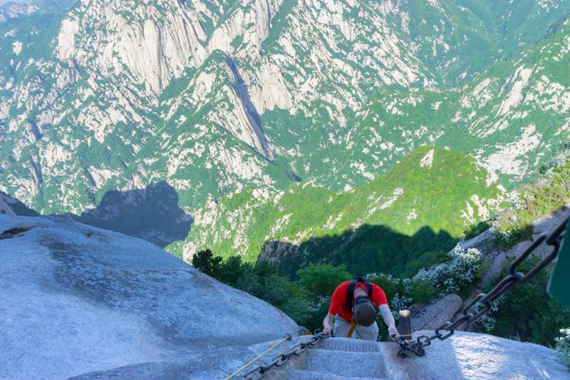Khám phá Hoa Sơn - ngọn núi nguy hiểm nhất Thế giới - 1