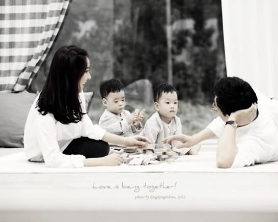 Cuộc sống của dàn diễn viên 'Nàng Dae Jang Geum' sau 16 năm: Nữ chính hôn nhân viên mãn, Mama Tổng quản qua đời vì ung thư