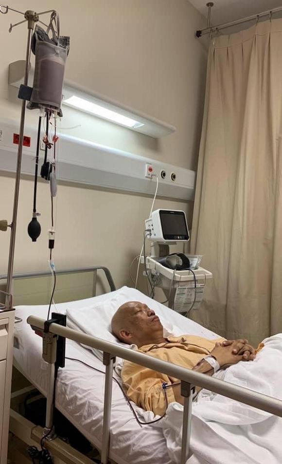 Hình ảnh xót xa của nhạc sĩ Xuân Hiếu trên giường bệnh điều trị ung thư tiết niệu