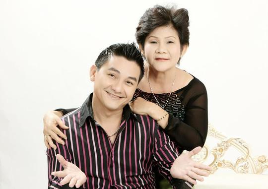 Nghệ sĩ hài Anh Vũ: Hơn chục năm chống chọi bệnh ung thư giành sự sống nhờ con hạc giấy