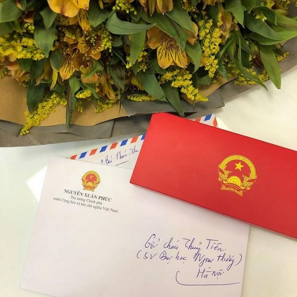 Nữ sinh ung thư nổi tiếng trường Ngoại thương nghẹn ngào khi được Thủ tướng gửi thư động viên