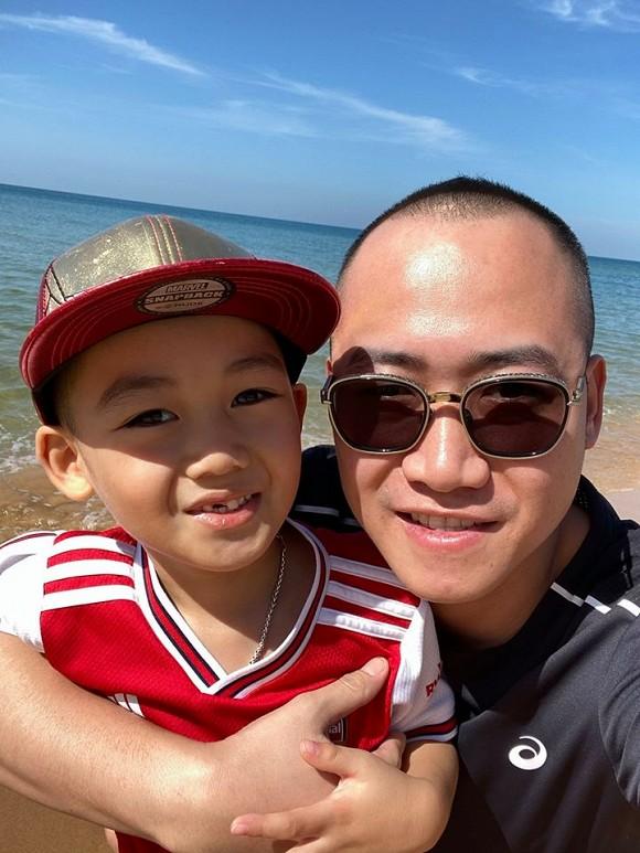 'Gái hai con' Phạm Ngọc Thạch khoe dáng nuột nà khi đi du lịch Phú Quốc cùng gia đình