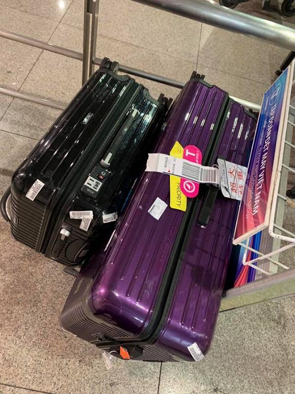 Sau chuyến lưu diễn Mỹ, Phạm Quỳnh Anh mất hành lý chứa toàn đồ quan trọng tại sân bay
