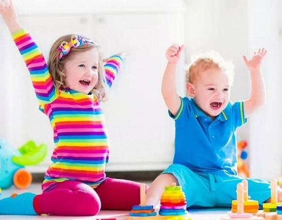 Trên thực tế, sự phát triển trí não của trẻ không dựa vào việc đọc mà dựa vào sự kích thích, chẳng hạn như loại hình giải trí này