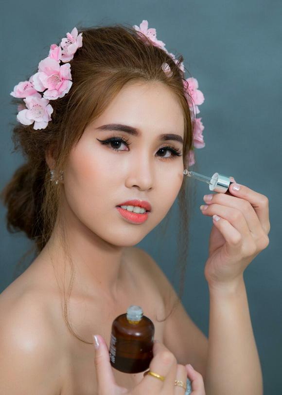 Cẩm Vân – khởi nghiệp kinh doanh mỹ phẩm Skinaz