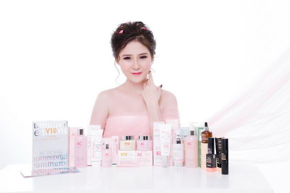 Tuổi 20, cô gái tăng thu nhập khủng nhờ kinh doanh mỹ phẩm Skinaz