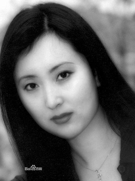 Cuộc đời bi thảm của mỹ nhân 'Hồng Lâu Mộng': Hai cuộc hôn nhân tan vỡ, tiên nữ cạo trọc vì bệnh ung thư