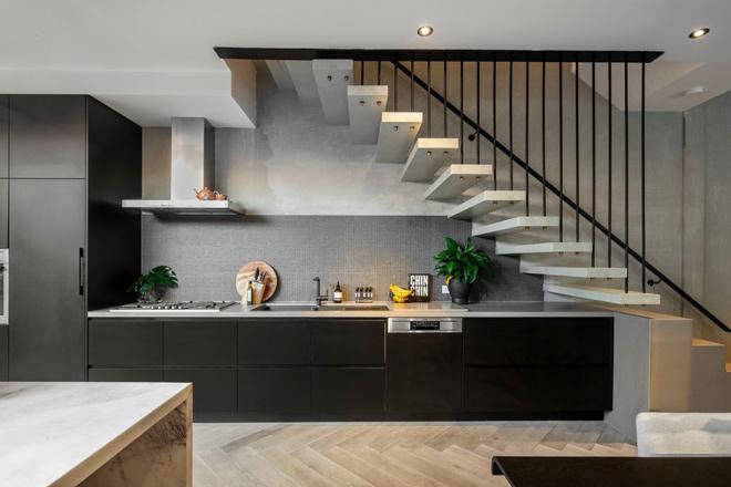 Thiết kế bếp dưới gầm cầu thang – giải pháp thông minh cho không gian chật