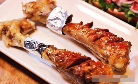 Khi ăn xương có nên hút tủy không? Chuyên gia dinh dưỡng sẽ bật mí cho bạn!