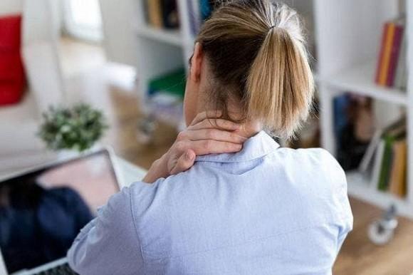 """Có ung thư trong cơ thể sẽ có tín hiệu? Trên cổ có 3 """"thứ"""" này, có thể ngụ ý rằng các tế bào ung thư đang ''xâm lấn"""""""